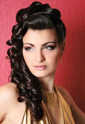 9 mẫu tóc dài phụ nữ Ấn yêu chuộng