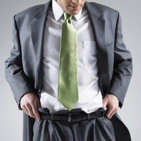 Bạn đang mặc áo hay chiếc áo mặc bạn?.