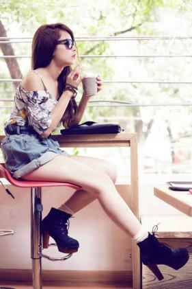Bí kíp trị chân ngắn của hot girl Chipu
