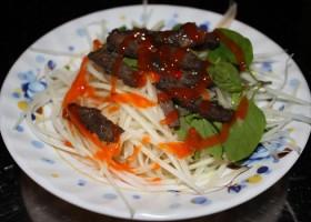 Gỏi đu đủ gan bò - món ngon phố núi giữa Sài Gòn