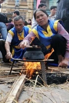 Hội Thổi Cơm Thi Ở Làng Thị Cấm Huyện Từ Liêm