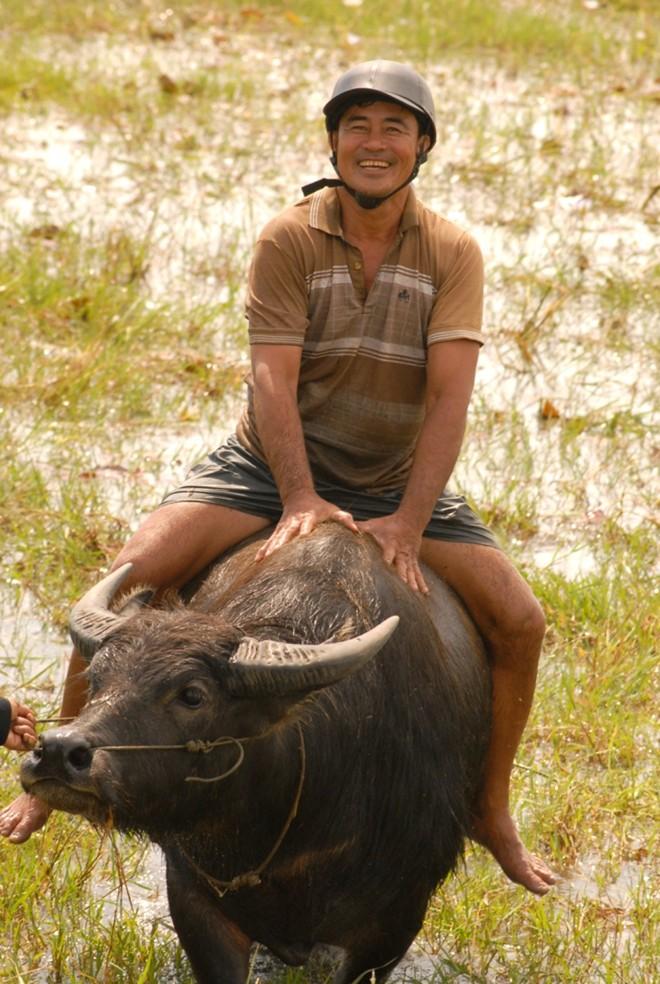 Người chăn trâu thuê trở thành 'tỷ phú'