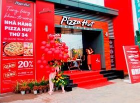 Pizza Hut khuyến mãi mừng khai trương.