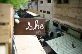 She café: một góc Sài Gòn vụn.