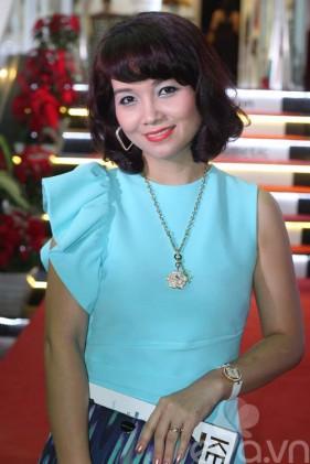 Tóc mới: Mai Thu Huyền trẻ ra chục tuổi