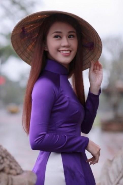 Chùm ảnh đẹp: Hot girl Ngọc Thảo khoe sắc trong tà áo dài
