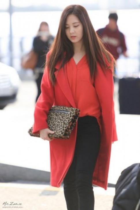 Thời trang sân bay: Cuộc cạnh tranh khốc liệt của sao Hàn Quốc
