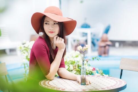 """Vẻ đẹp """"kiêu sa"""" của Hoa Hậu Trần Thị Quỳnh"""