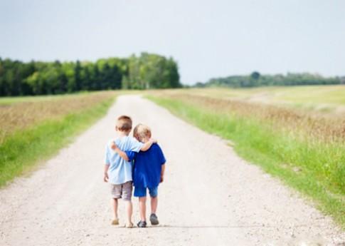 """7 lý do khiến tình bạn dễ """"bền chặt"""" hơn tình yêu"""