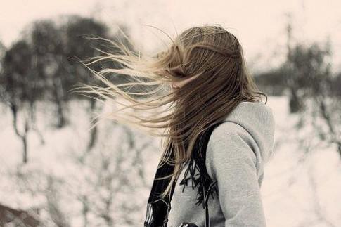 Ai sẽ sưởi ấm trái tim em đi qua mùa đông lạnh giá?