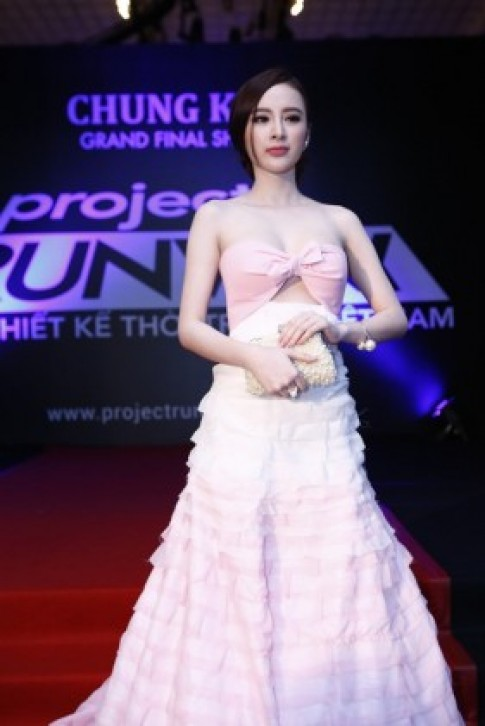 Angela Phương Trinh tỏa sáng giữa dàn mỹ nhân Vbiz