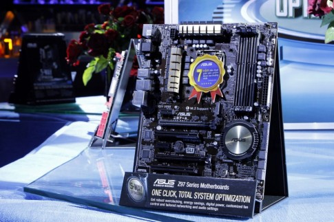 ASUS giới thiệu dòng bo mạch chủ thế hệ thứ 9 tại Việt Nam