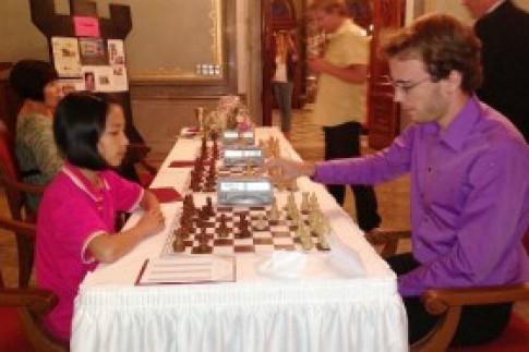Bé gái gốc Việt giành giải ba cờ vua tại Đức