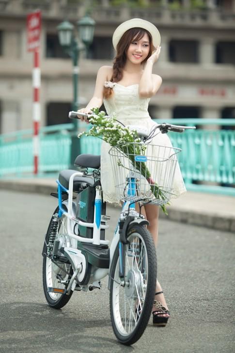Có nên đi xe đạp điện khi trời mưa ?