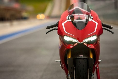 Ducati 1199 Panigale nhan giai thuong thiet ke 2013