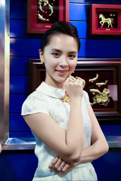 Dương Trương Thiên Lý xinh đẹp ngày tái xuất