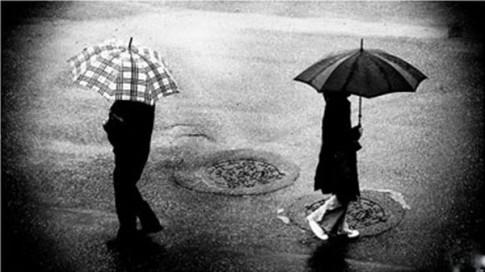Em đang đợi yêu một người khác...