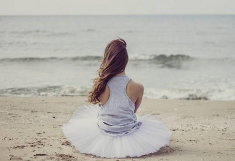 """Giá như, nỗi buồn không phải """"một mình"""" nữa, thì người cô đơn cũng thấy bớt cô đơn!"""