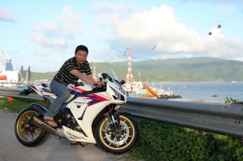 """Honda CBR 1000RR Date 2012: """"Quỷ Dữ"""" dưới dáng """"Thiên Thần"""""""