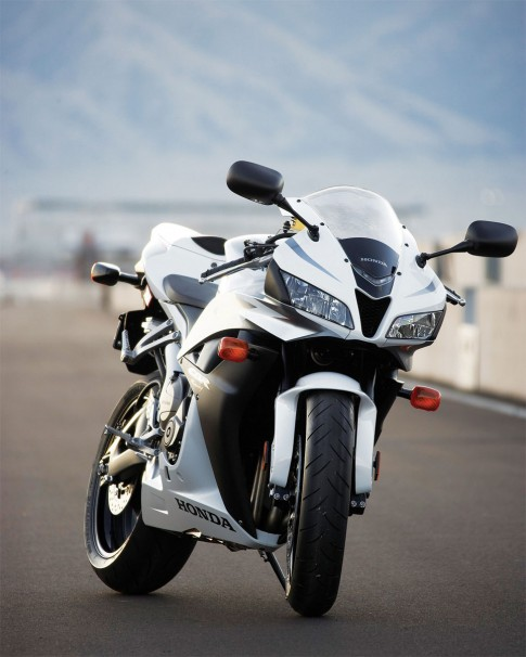 Honda CBR-serie: Nhin lai 1 chang duong - Phan 2