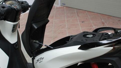 Honda SH 2013 tự chế nâng yên tự động