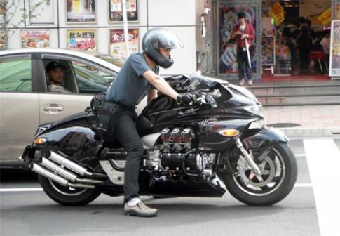 """Honda Valkyrie phiên bản độ quái vật """"Dragon King"""""""