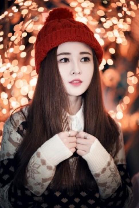 Hot girl Gia Lai hoa thanh co be mua dong