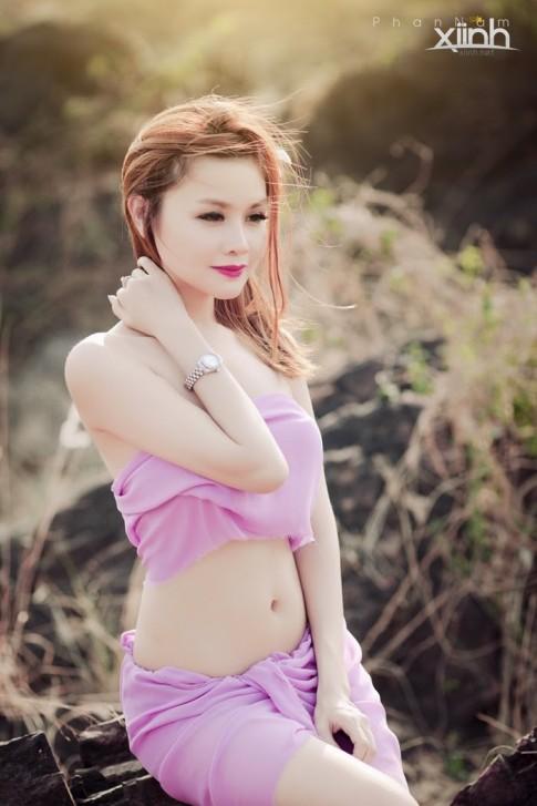 """Hot girl Jenni Nguyễn """"hóa búp bê"""" xinh đẹp"""