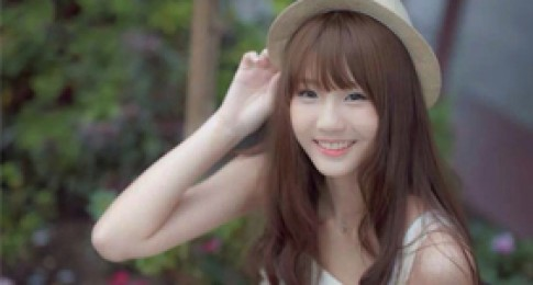 Hot girl Malaysia cuốn hút với mái tóc lạ