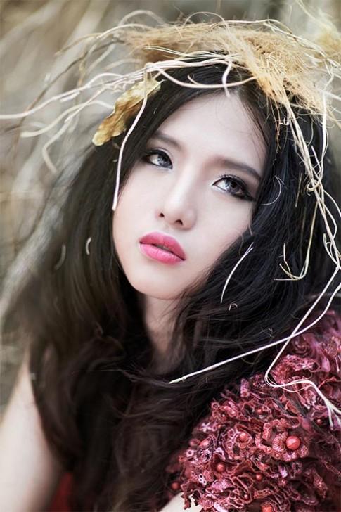 Hotgirl Mitu Kat có gương mặt đẹp như búp bê