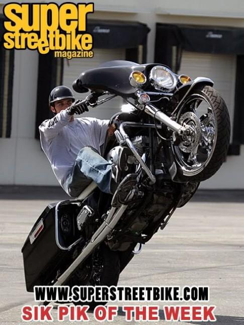 Hướng dẫn Kĩ thuật Bốc đầu xe môtô (Wheelie)