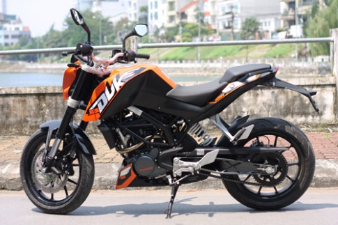 KTM Duke 125: Nakedbike 'hạng ruồi' cho giới trẻ Việt