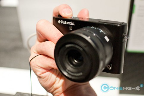 Máy ảnh Polaroid iM1836 không gương lật sẽ ngưng sản xuất