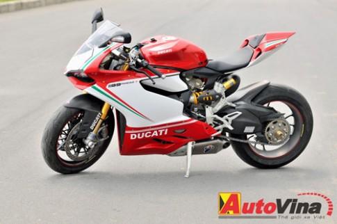 Một ngày với 'tên lửa xa lộ' Ducati 1199 Panigale S