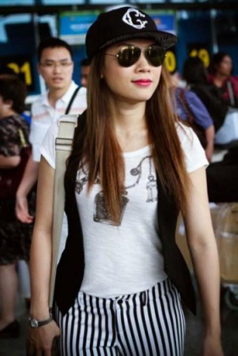 Mỹ nhân Việt trang điểm tự nhiên khi xuống phố