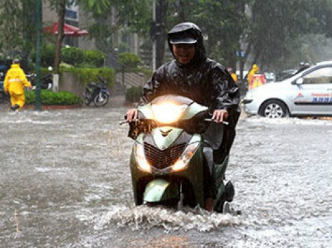 Nên cẩn thận khi gặp tình trạng nước vào hộp số xe ga vào mùa mưa