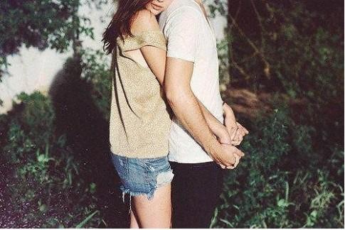 Nếu yêu anh thì đừng khóc sau lưng anh, em nhé!