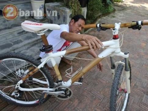 Người chế tạo xe đạp tre du lịch độc đáo ở Quảng Nam Việt Nam thật giỏi