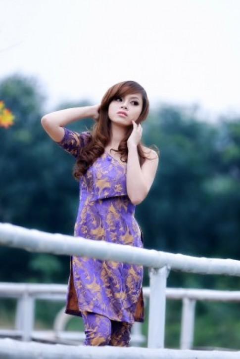 Người đẹp khoe sắc với BST Đón Xuân