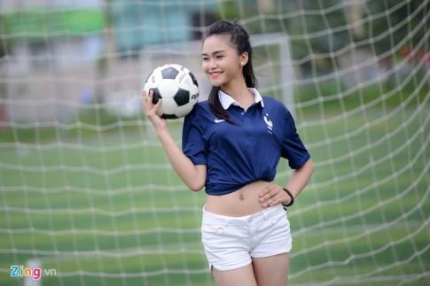 Người mẫu 16 tuổi dự đoán Pháp thắng Nigeria 3-1