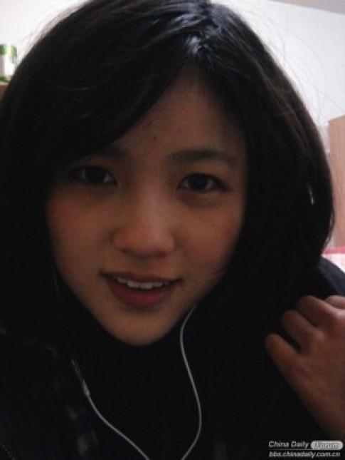 Nữ sinh xinh đẹp tài năng khiến dân mạng Trung Quốc mê mẩn