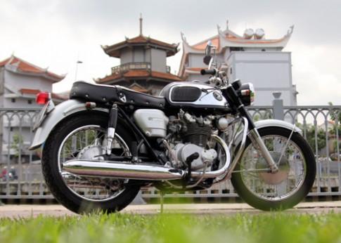 Phục chế xế cổ Honda CB450 1965 ở Sài Gòn