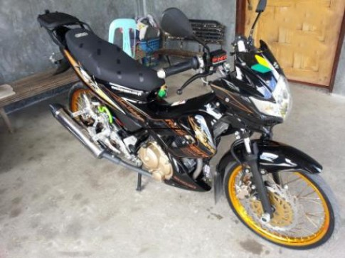 Raider R150 phien ban do chat den tu Thai Lan