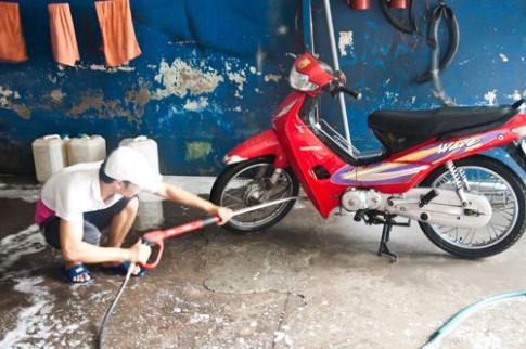 Rửa xe máy đúng cách như thế nào ?
