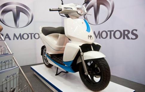 Scooter điện kết nối iPhone giá 4.500 USD tại Nhật