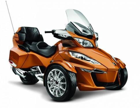 Sieu moto 3 banh Can-Am Spyder RT co dong co moi