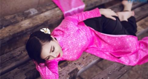 Trà Giang diện áo dài kín đáo mà vẫn sexy đốt mắt nhìn