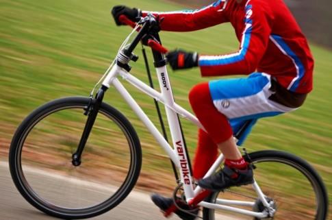 Varibike – xe đạp Đức chạy bằng cả chân và tay