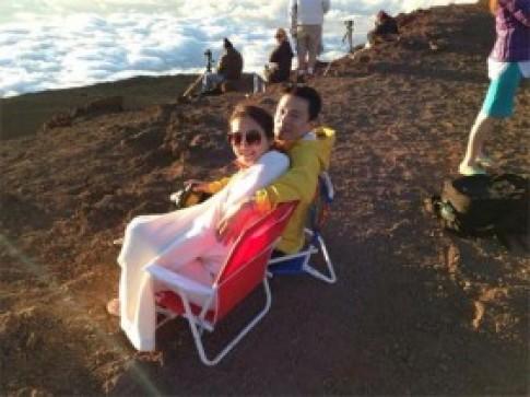 Vợ chồng Lam Trường lãng mạn ở Hawaii
