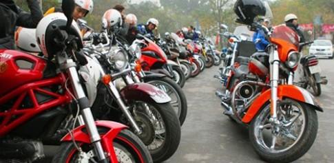 2014 Khởi đầu cho môtô chính hãng tại Việt Nam